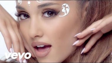 Ariana Grande ft. Zedd - Break Free