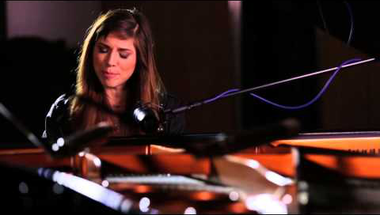 Christina Perri - Human (Live at British Grove Studios)