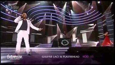 Gáspár Laci ft. Plastikhead - A szeretet él (A Dal)