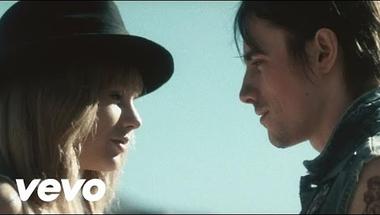 Taylor Swift - I Knew You Were Trouble     ♪