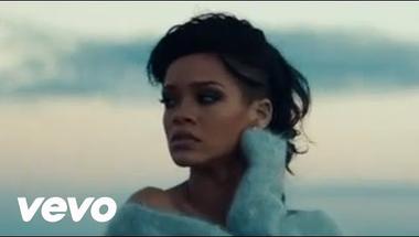 Rihanna - Diamonds     ♪