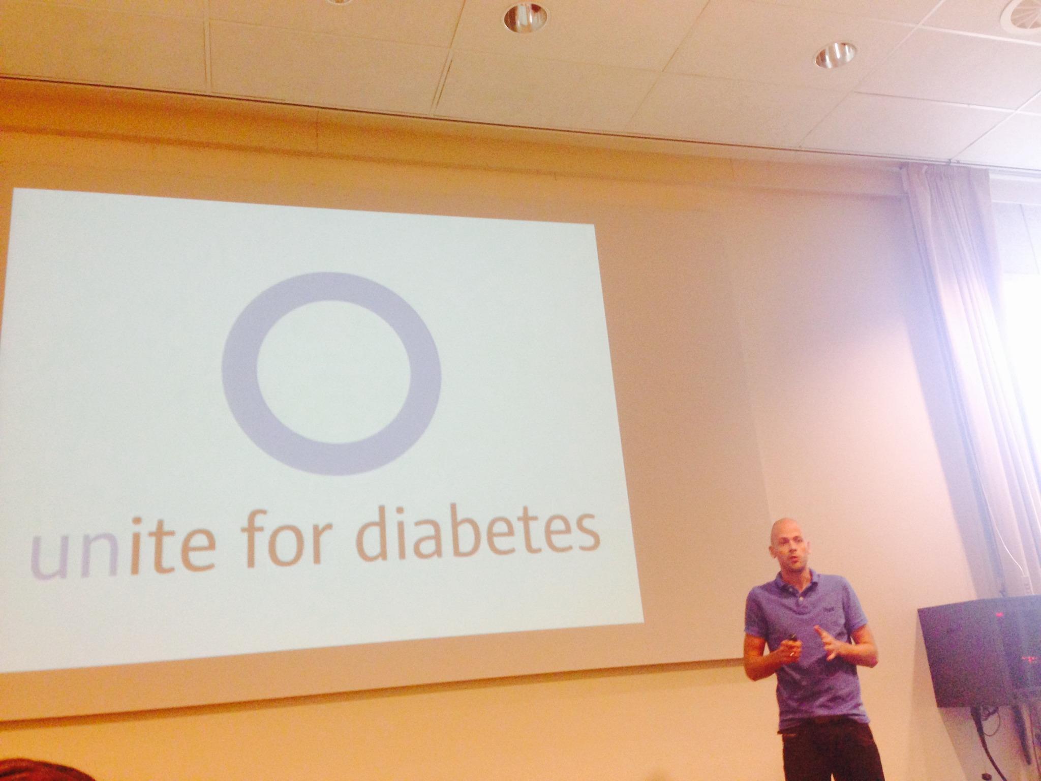 Jeroen Flim előadása, aki a Bas van Goor alapítvány munkatársa, régóta 1-es típusú cukorbeteg.