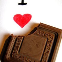 Tudatos étkezés I.  -  Csokoládé vs. Boldogsághormonok