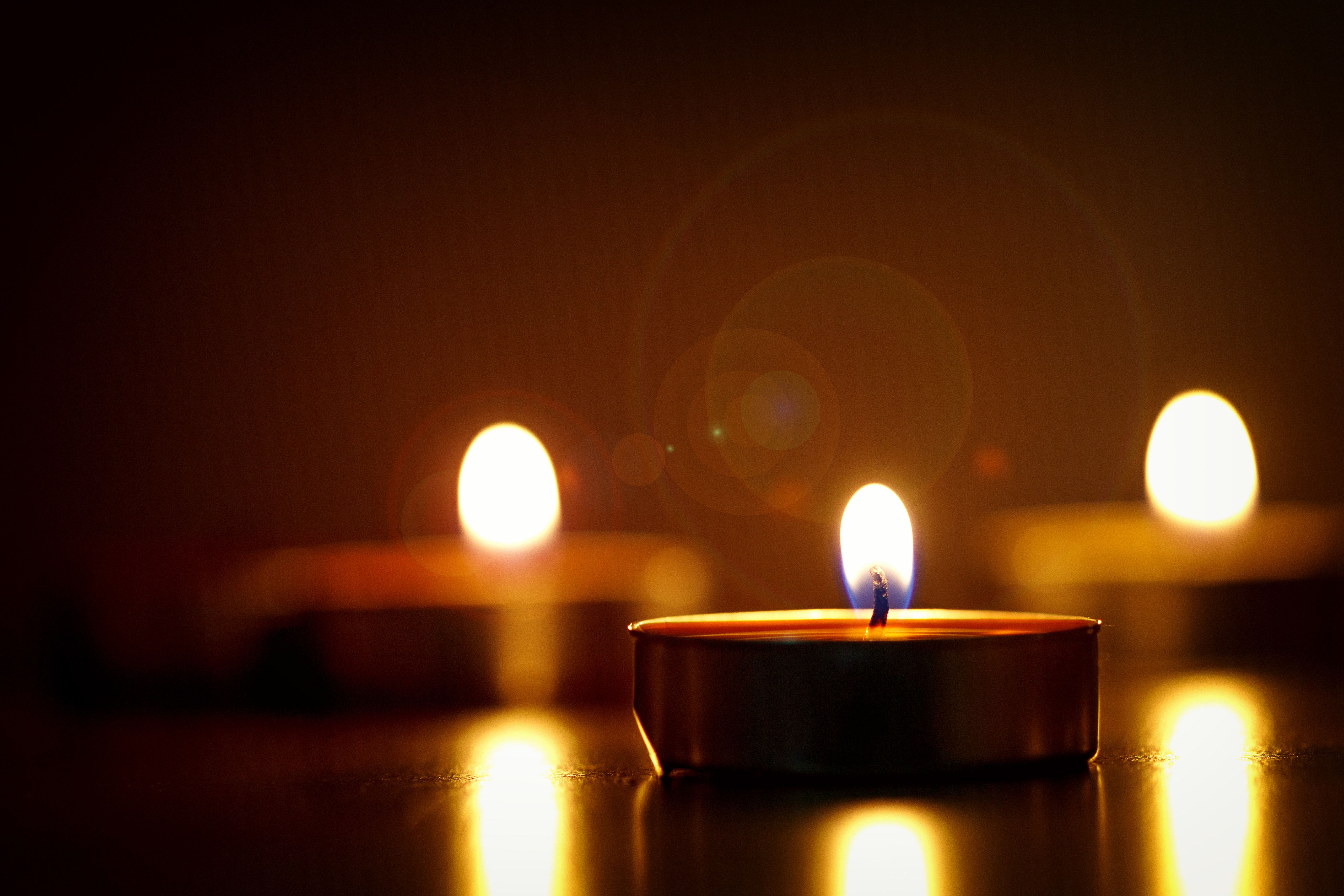 blur-bright-candlelights-722653.jpg