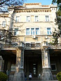 A fiumei Császári és Királyi Haditengerészeti Akadémia főbejárata