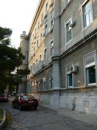 A fiumei Császári és Királyi Haditengerészeti Akadémia homlokzata