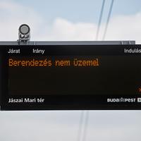 A BKV újabb hülyesége? Egyébként az utasok is bolondok