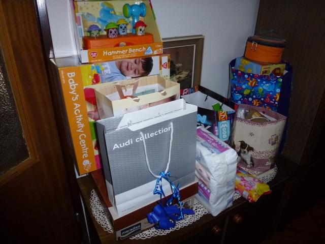 Az ajándék 'sarok' és még pár holmi ami még kipróbálásra vár...