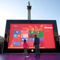 Óriási méretű Surface-el népszerűsíti legújabb táblagépét a Microsoft