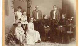Widow and daughters of Semmelweis: Margit (1861–1928) and Antónia (1864–1942). Antónia with her family: Kálmán Lehoczky sr. (1838–1907), Mária Antónia (Marietta) Lehoczky (1894–1919), Andor Lehoczky-Semmelweis (1885–1970), Kálmán Lehoczky-Semmelweis