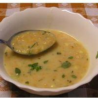 Vörös lencse leves majoránnával és csipetkével