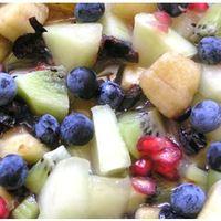 Gyümölcssaláta kökénnyel