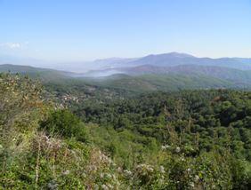 Elbasan utáni albán hegyek.JPG