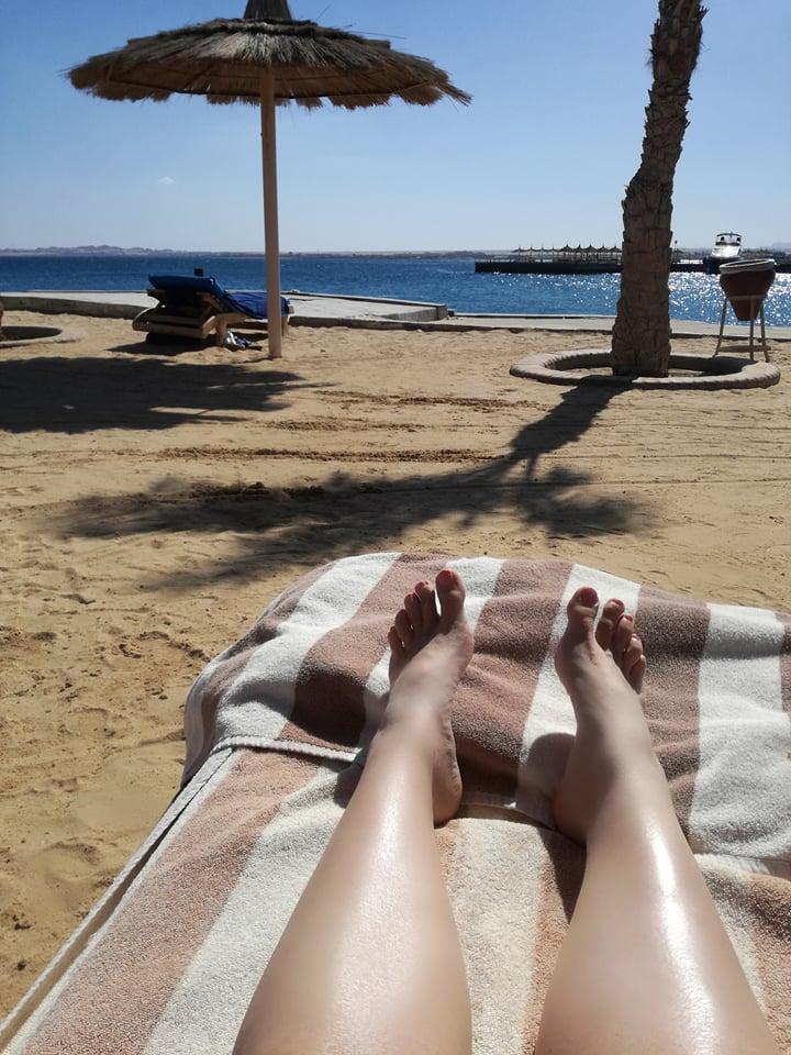 A lábfürdő után muszáj volt láb-napfürdőt vennem, hogy felmelegedjek :D