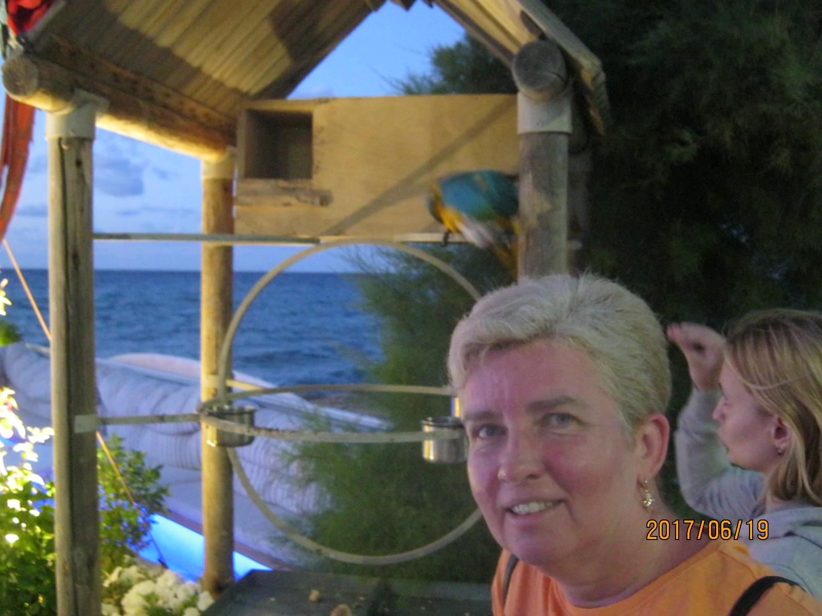 Mama a papapájok előtt