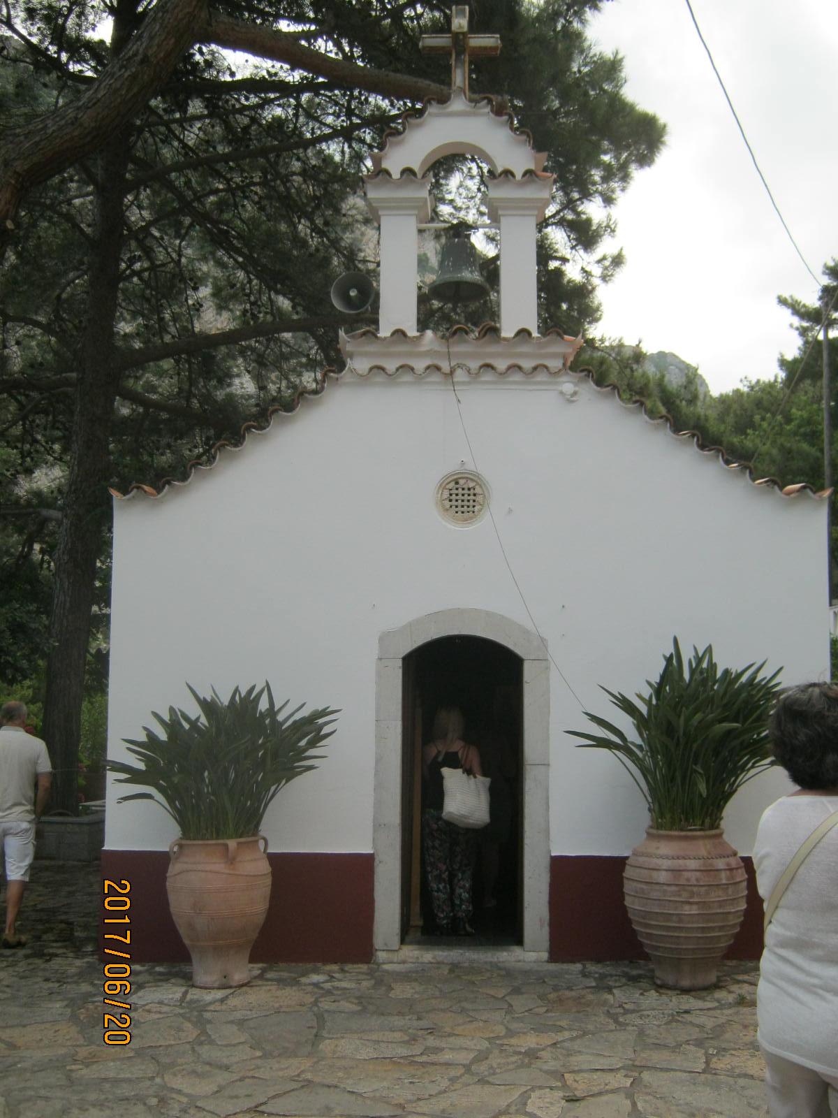 Szent György templom, amit a legenda szerint egyetlen éjszaka építettek fel.