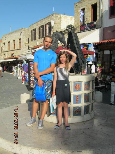 Mindig van ok a fényképezésre a rodoszi sétányon