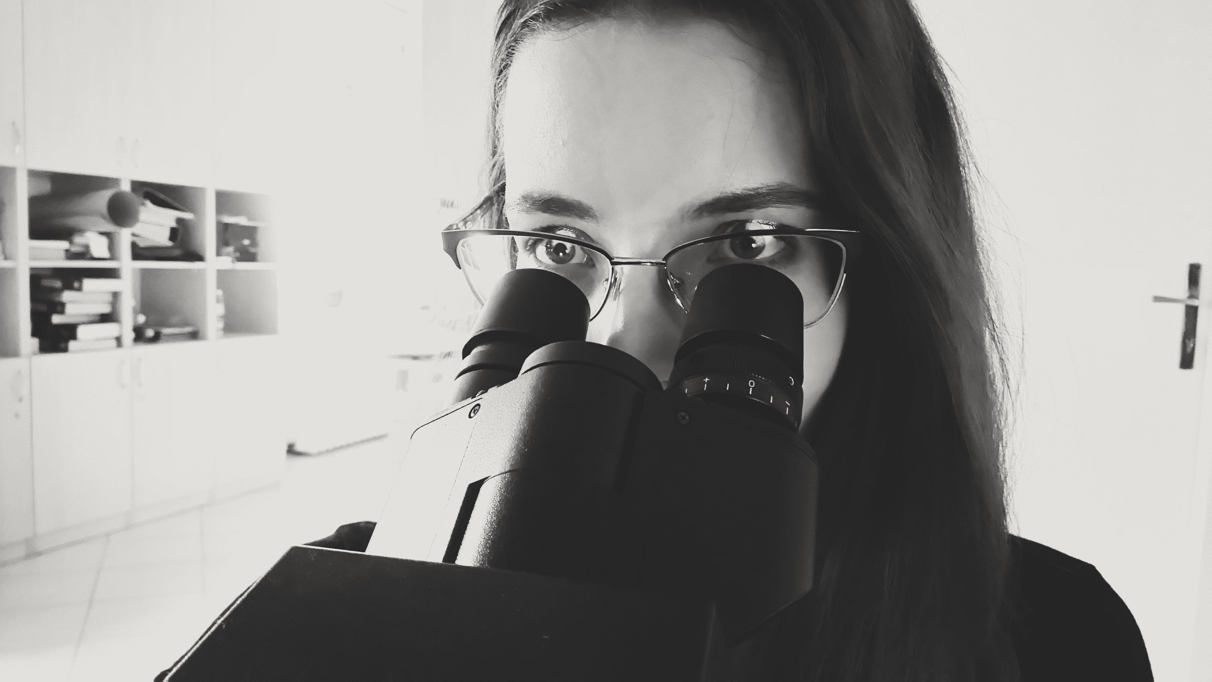 Nagyon unom, hogy a mai napig vicc tárgya, hogy a betegeim halottak - Interjú egy patológus beauty bloggerrel