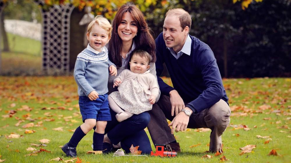 Új fotón Katalin hercegné mindhárom gyermeke! Hatalmasat nőttek!