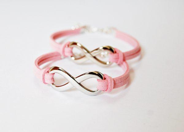 pinkday-rozsaszin-karkotok-vegtelen-jellel-600x431.jpg