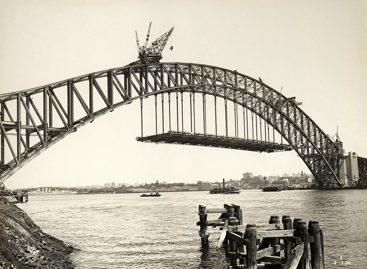 sydney_harbour_bridge_view_from_milsons_point_7653426404.jpg
