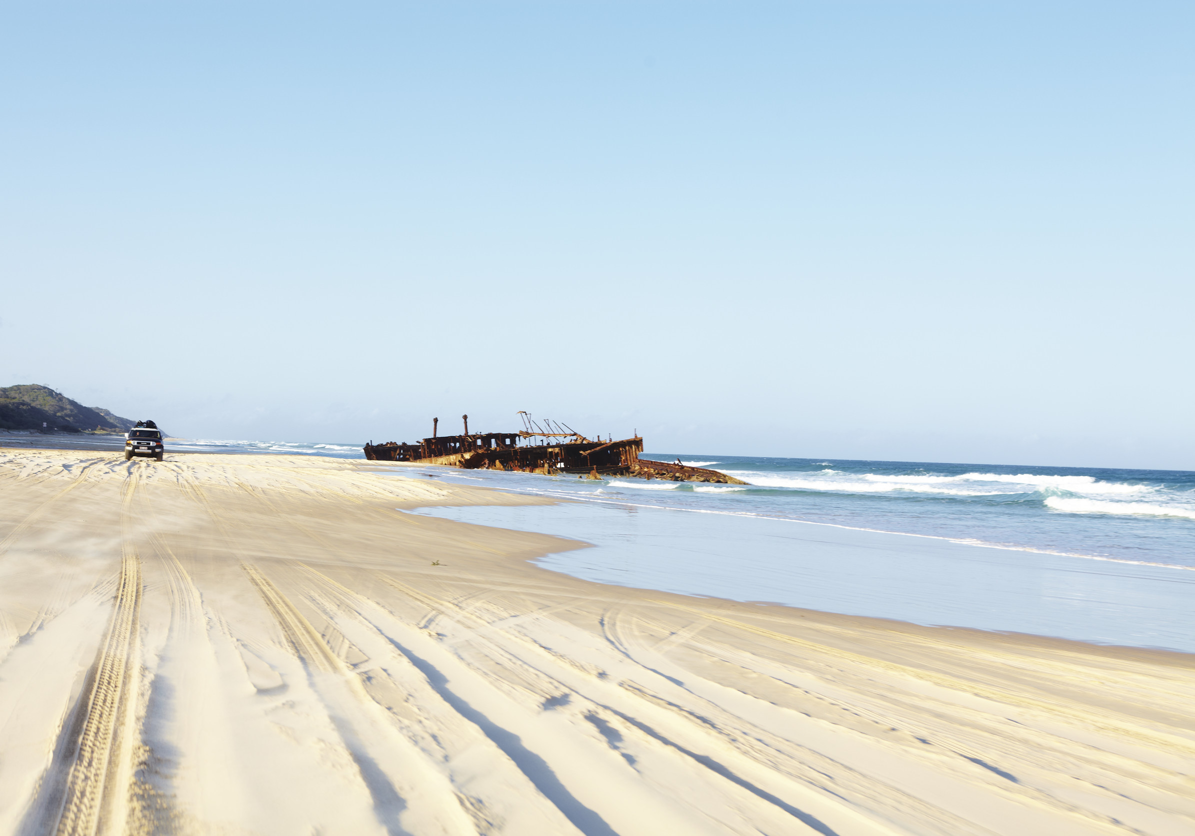 the_wreck_of_the_s_s_maheno_near_eli_creek_fraser_island_qld.jpg