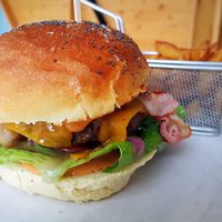 Best of Balaton: a Kishableány burgere
