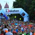 3 km-es vágtával kezdődött az év legbulisabb futóversenye