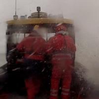 Ilyen egy őrületes vihar a Balaton közepén