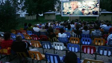 Kertmozik a Balatonon – hol játszák a jó filmeket?