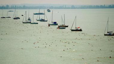 Ezért lesz kihagyhatatlan az idei Balaton-átúszás