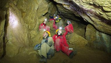Extrém balatoni barlangtúra 90 méter mélyen a föld alatt