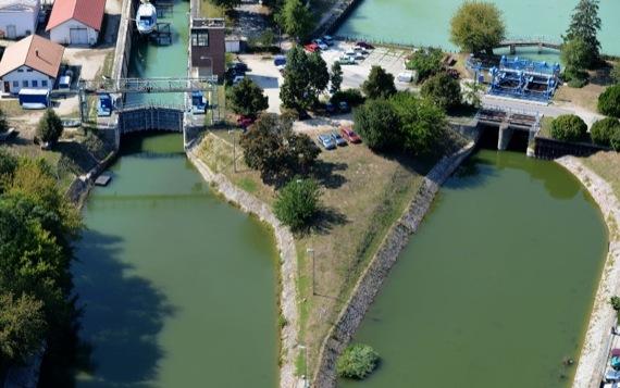 1212-Siofokon-a-Sio-csatorna-es-a-zsilip.jpg