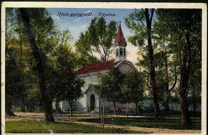 Kis település sok templommal