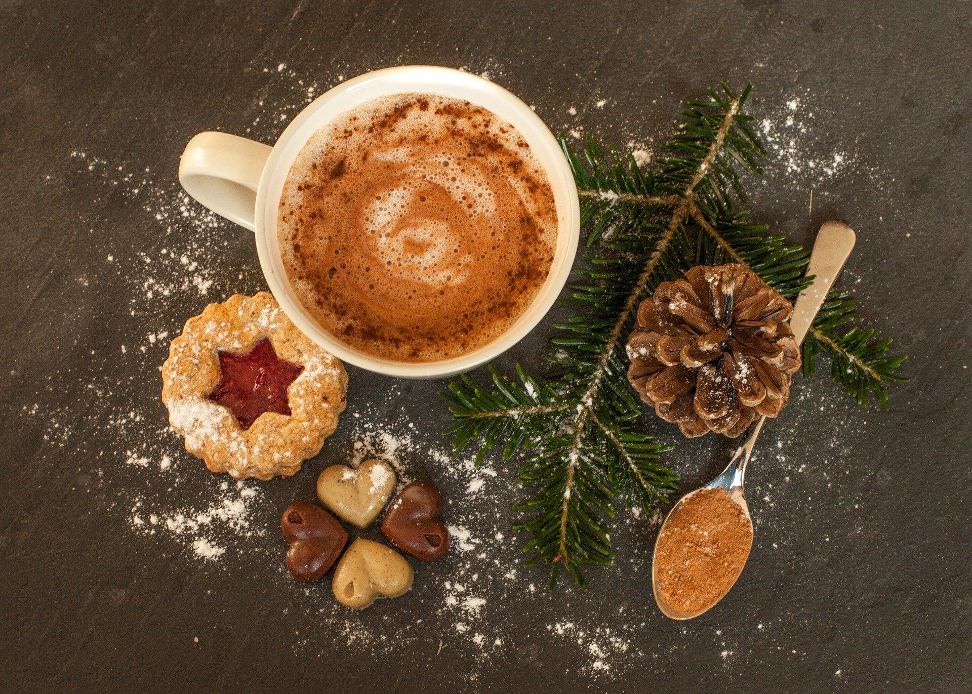 hot-chocolate-1782623_1920.jpg