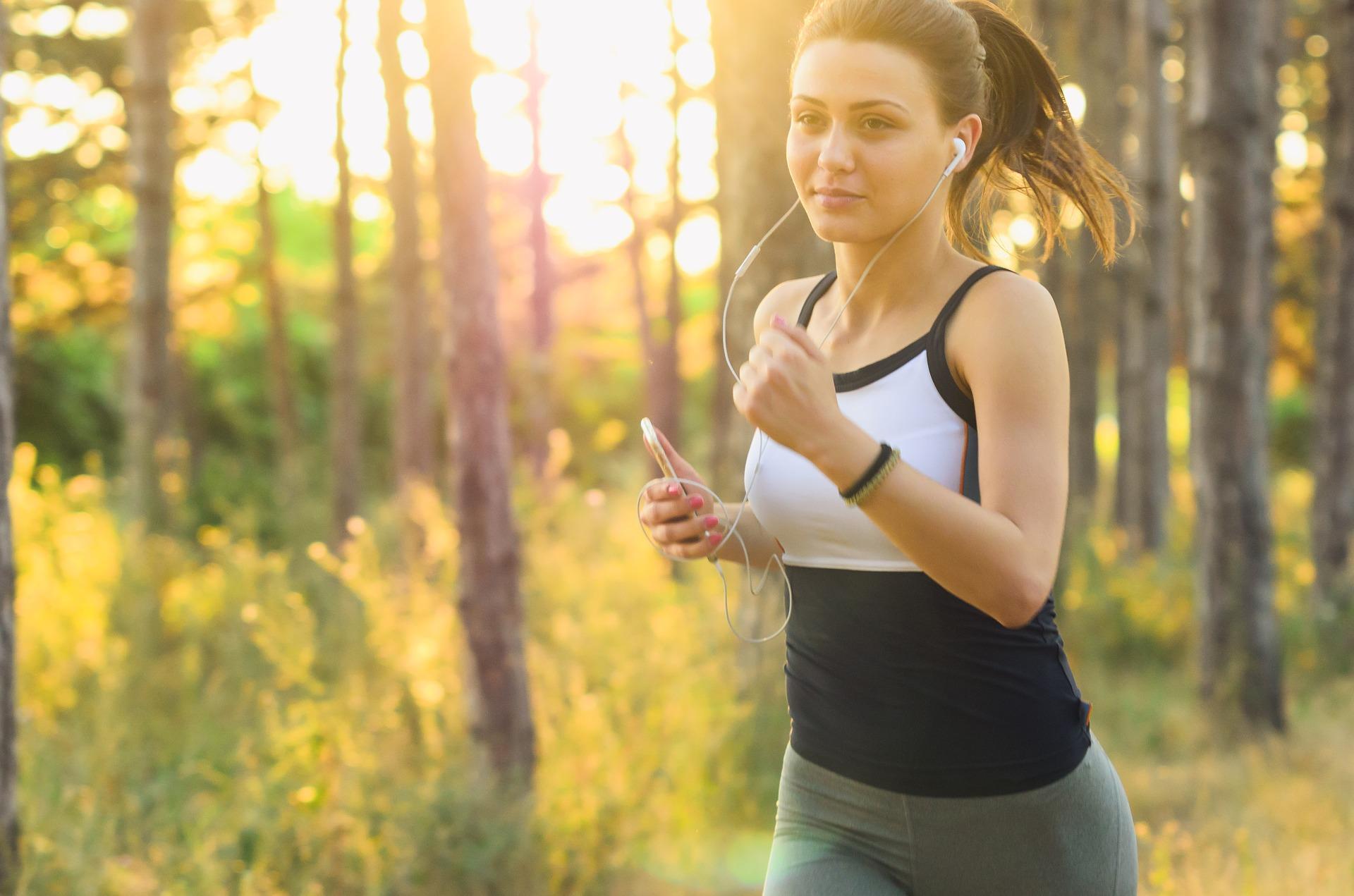 A világ legnépszerűbb és egyik legegészségesebb tevékenysége! ... Mi már futunk! - Te mikor kezded?