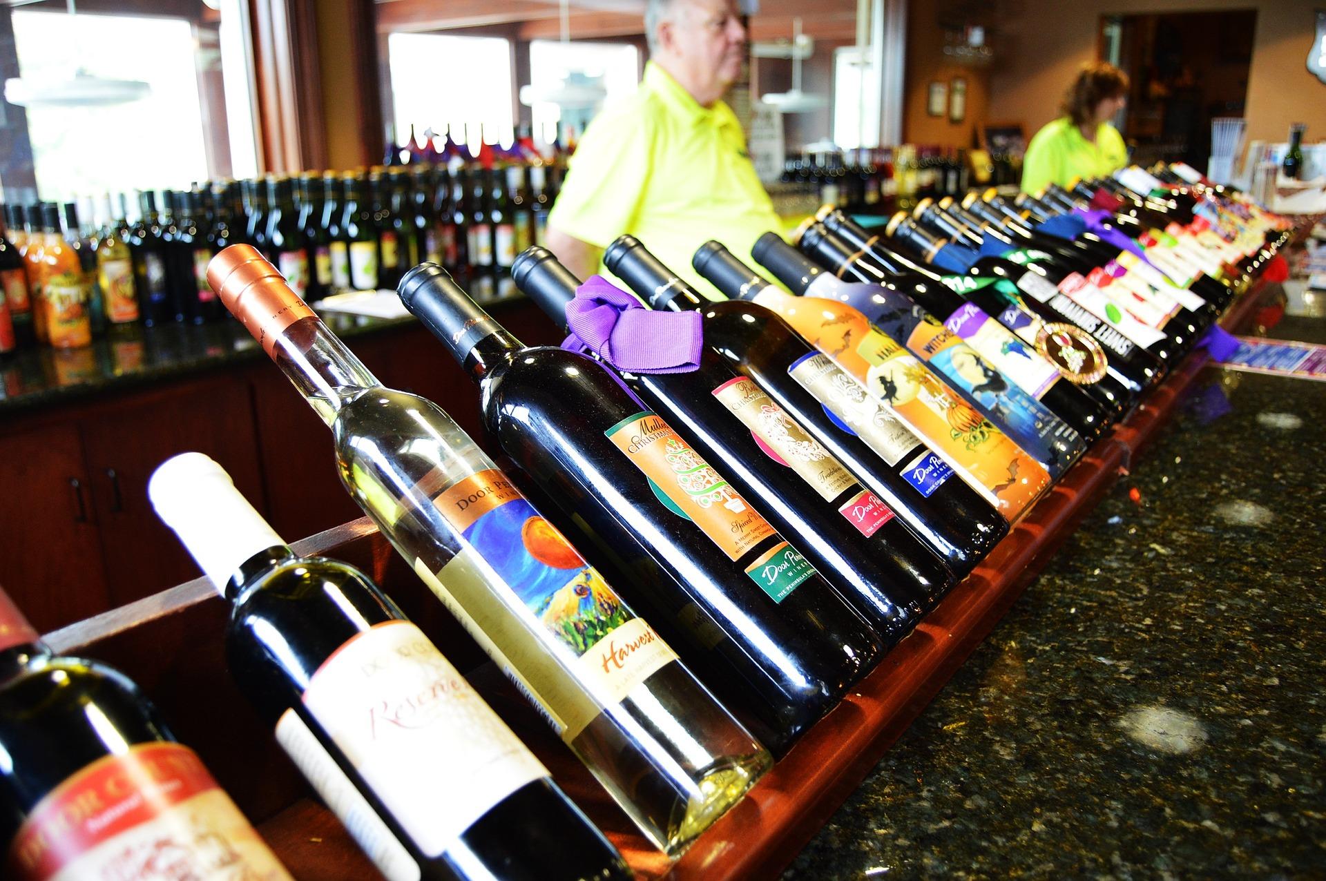 wine-881536_1920.jpg