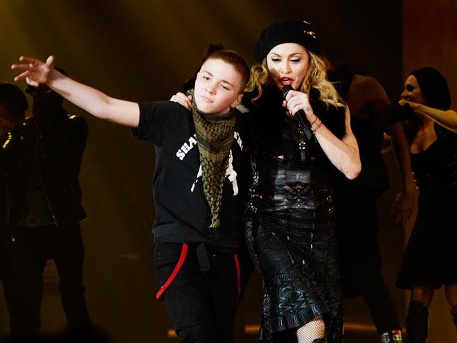 Madonna-Rocco Ritchie-12.jpg