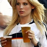 A legszebb német szurkoló egyike :)