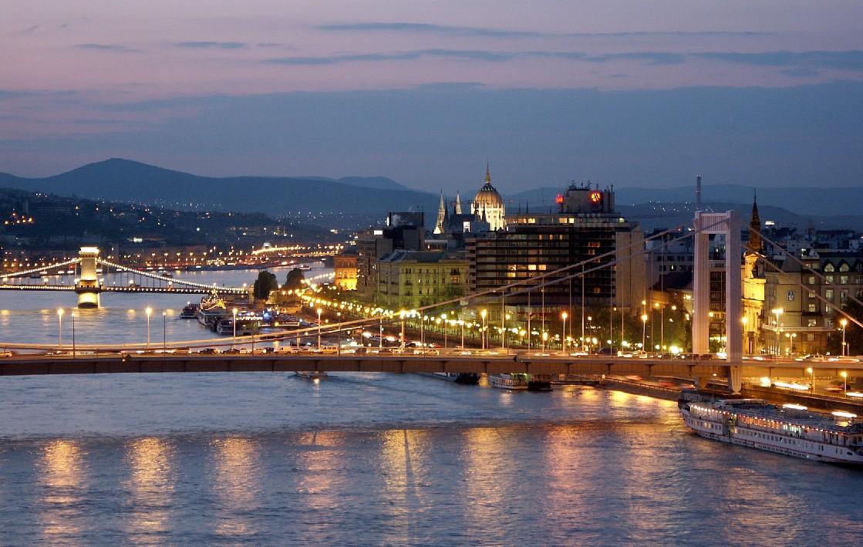 Budapestbynight.jpg