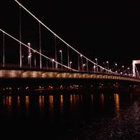 Szaladj fotózni: Az Erzsébet híd díszkivilágítása