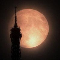 Rendhagyó bejegyzés a Holdról - fotózz holdkeltét!