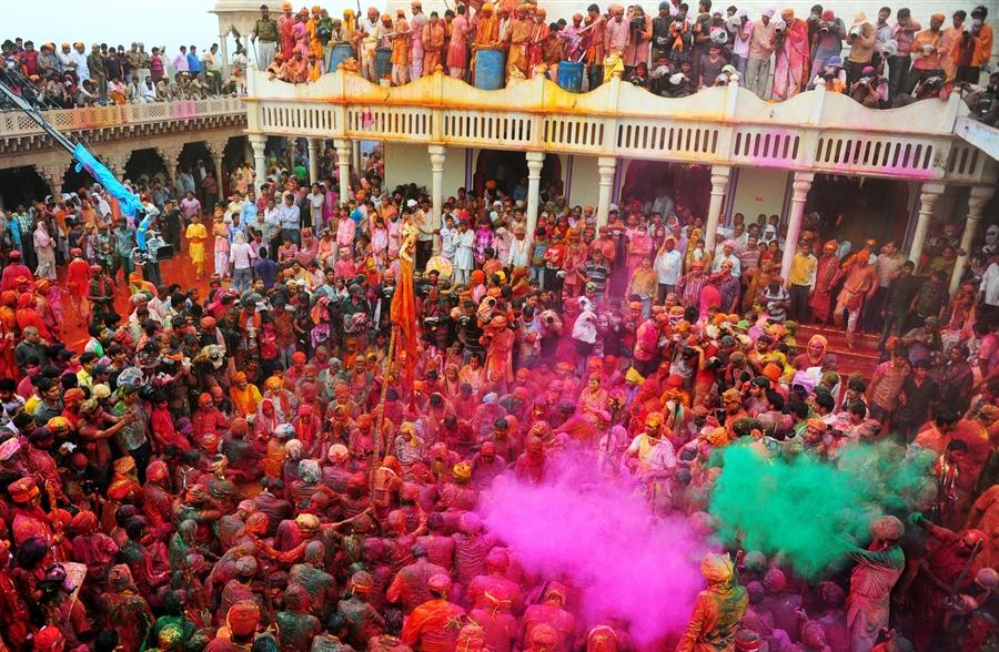 pb-130322-india-holi-nj-03.photoblog900.jpg
