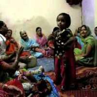 Szülinapi ünnepség Indiában