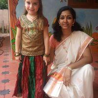 Az én fehér kislányom az indiai oviban 2. - Megtaláltuk a tökéleteset