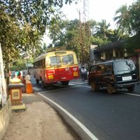 Tömegközlekedés Indiában – Jojó és anya a buszon