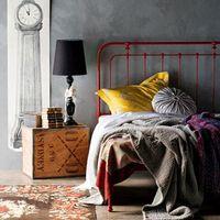 Színezd az ágyat, ne a falat!