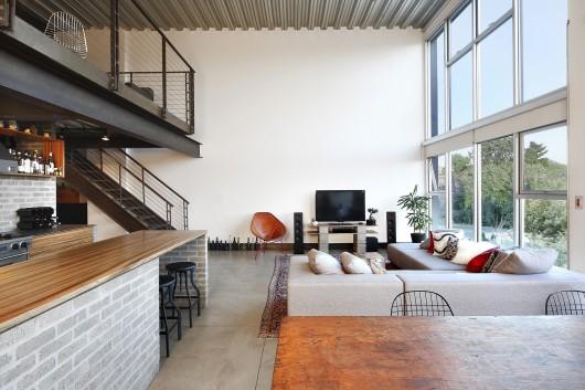 54ed128ae58ece5598000039_capitol-hill-loft-shed-architecture-design_capitol_hill_loft_living-530x353.jpg