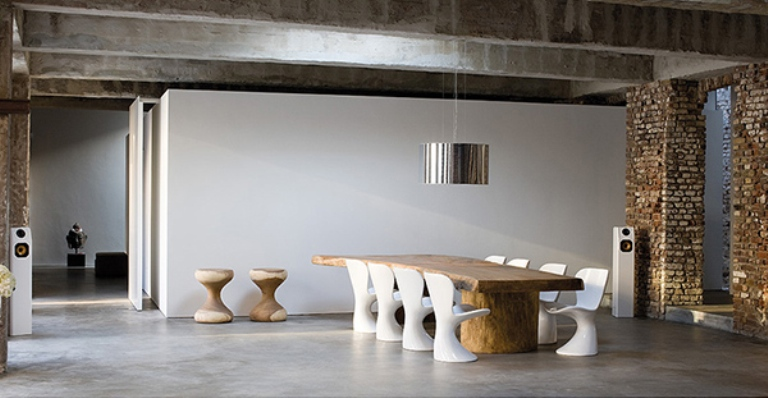 Dining-Room-with-Combination-of-White-Plastic-Chairs-and-Natural-Wood.jpg