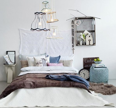 Eclectic_bedroom_image_via_onekindesign_large.JPG